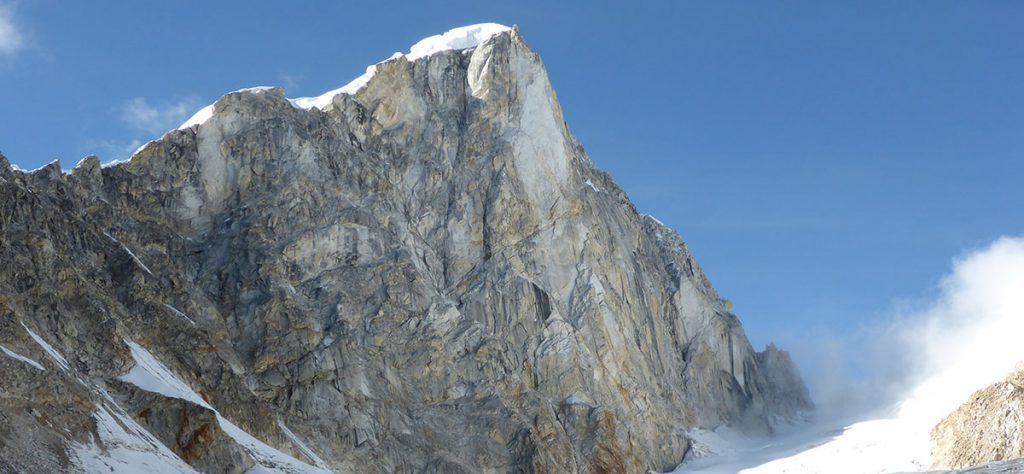 first-ascent-of-larkya-lha-main-peak-2