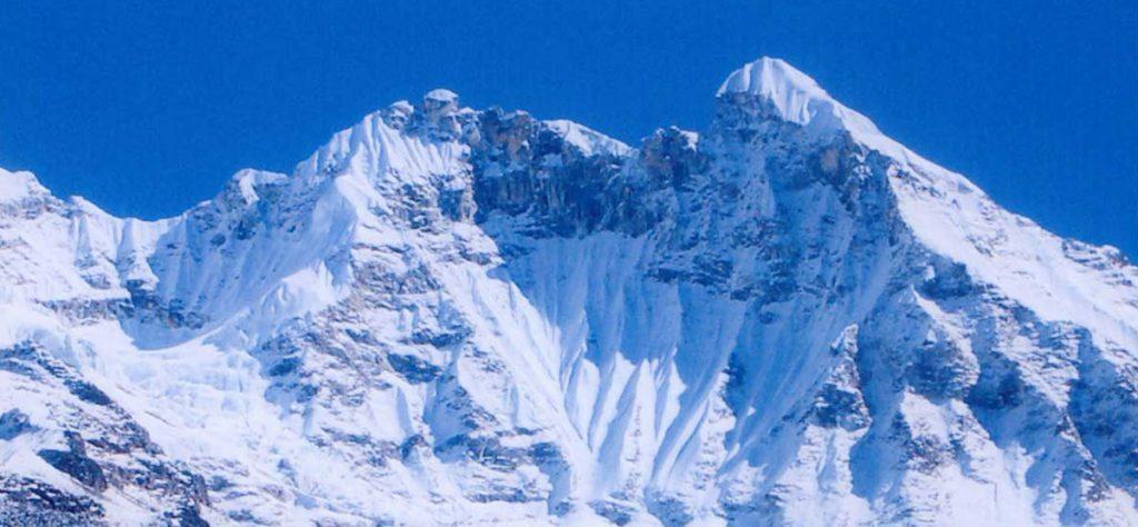 first-ascent-of-larkya-lha-main-peak-3