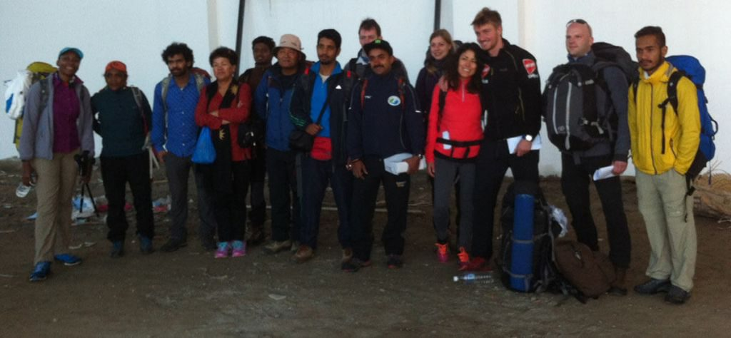 asian-trekking-eco-everest-expedition-2015-spring-departure-for-lukla-pic