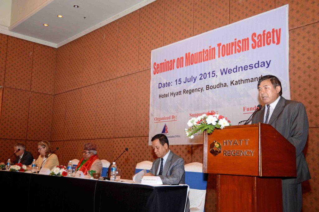 seminar-on-mountain-tourism-safety-pic1
